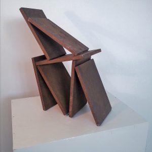 sculptuur van cortenstaal